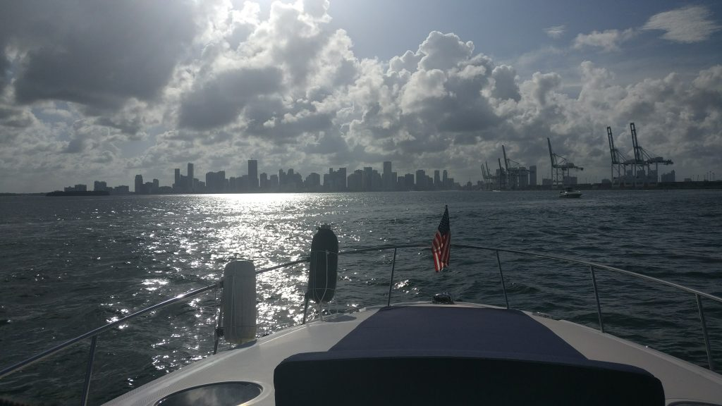 Miami skyline desde Biscayne Bay